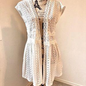3/$10 Women's Lacey vest size L 11/13
